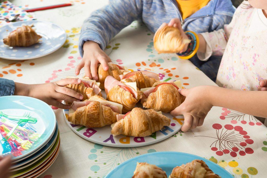 Croissants βουτύρου Χρυσή Ζύμη με Φέτα, Τομάτα και Ελιά