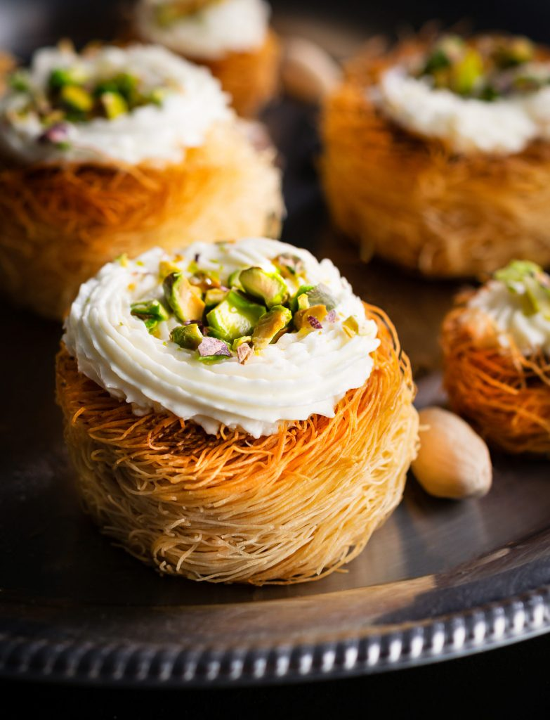 Cupcakes με Κρέμα Λεμονιού με Καταΐφι Χρυσή Ζύμη