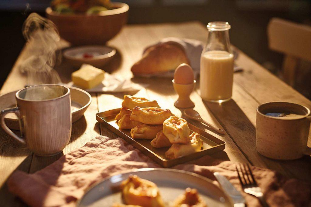Πεϊνιρλί Χρυσή Ζύμη με καπνιστό μπέικον και κασέρι