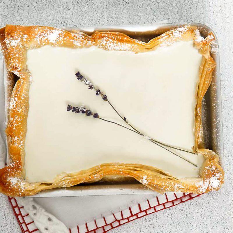 Ανοιχτή Πίτα με Κρέμα αρωματισμένη με Λεβάντα με Φύλλο Κρούστας για Γλυκά Χρυσή Ζύμη