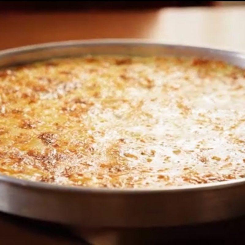 Βουτυράτη Πατσαβουρόπιτα με Παστουρμά με Φύλλο Κρούστας Χρυσή Ζύμη